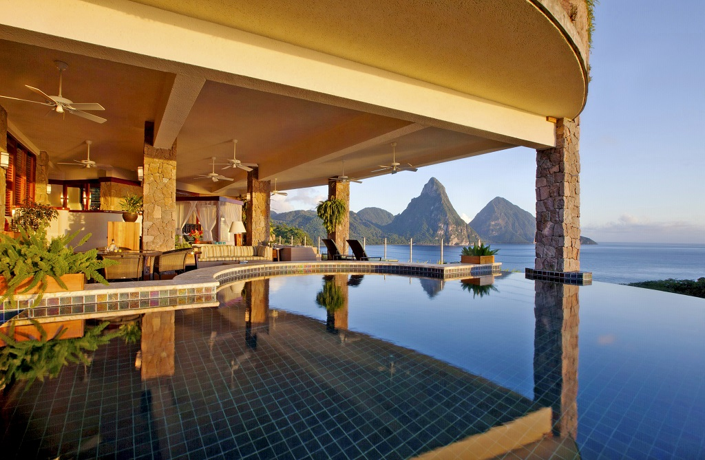 Galaxy Pool Sanctuary at Jade Mountain