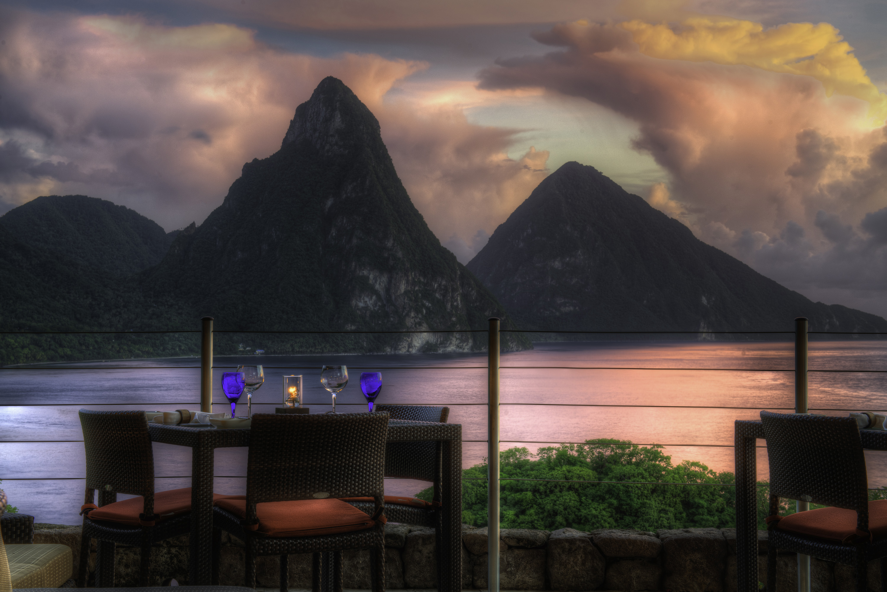 dinner-piton-jade-sunset