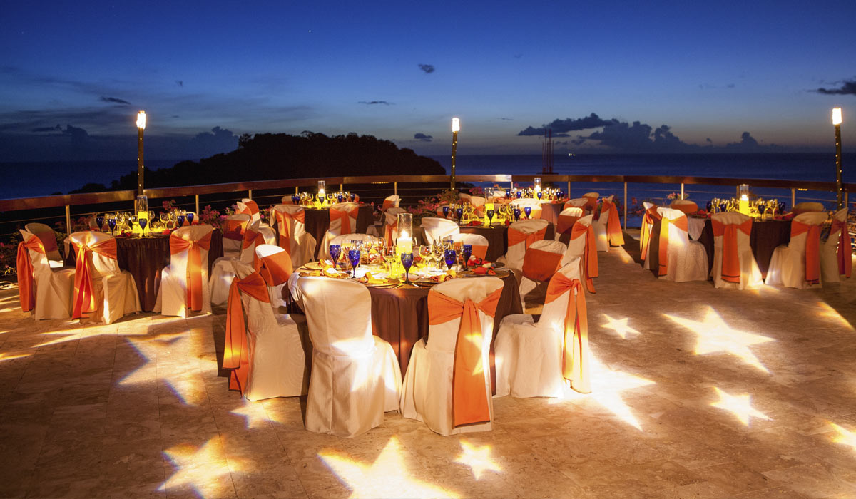Jade Mountain Weddings Honeymoons Dinner Setup
