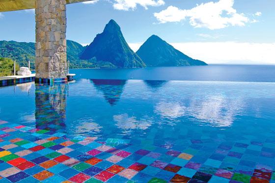 Jade Mountain Infinity Pool