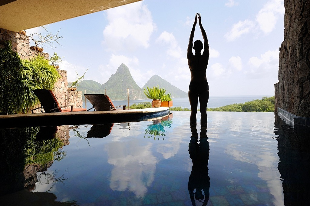 Singlemoon at Jade Mountain